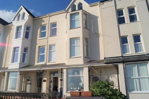 2 bedroom flat for sale - Sea Breeze, South Beach, Pwllheli