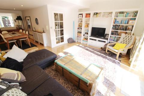 3 bedroom semi-detached house for sale - Ruskin, Henley Road, Caversham