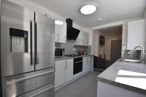 5 bedroom end of terrace house to rent - Plymouth, PL4 6BH