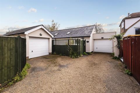 2 bedroom detached bungalow for sale - Elm Lane, Tonbridge