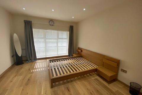 1 bedroom flat to rent - 3 Finch's Court Mews, Poplar High Street, Poplar, E14