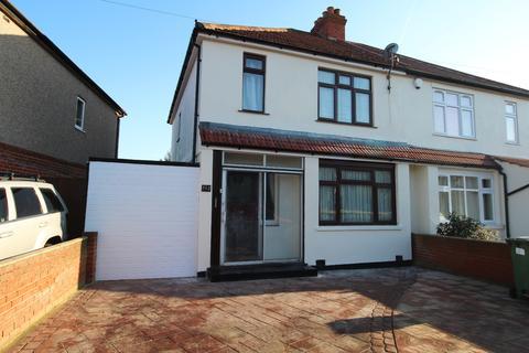 3 bedroom semi-detached house to rent - Olyffe Avenue Welling DA16