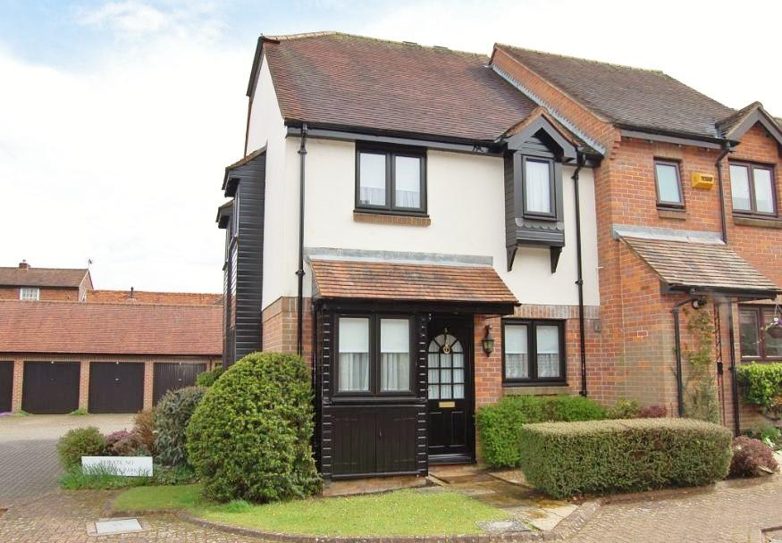 1 Bedroom Semi Detached House for rent in Thornhill Close, Amersham, HP7