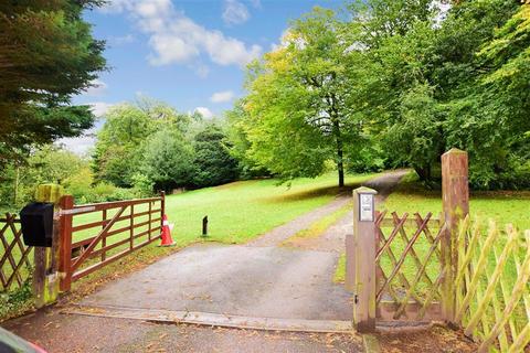 4 bedroom detached bungalow for sale - Carters Hill Lane, Culverstone, Meopham, Kent