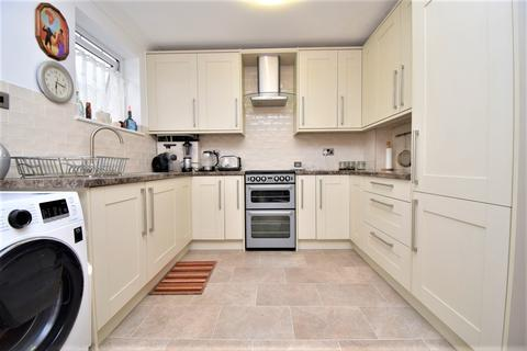 3 bedroom terraced house to rent - Cookham Hill Rochester ME1