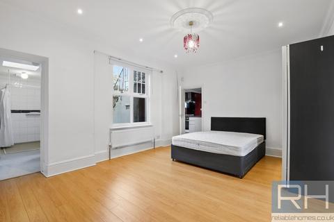 Studio to rent - Endymion Road, Finsbury Park, London, N4