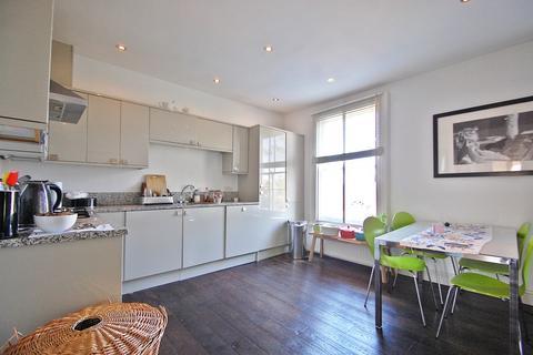 2 bedroom flat - Lambert Road, Brixton, SW2