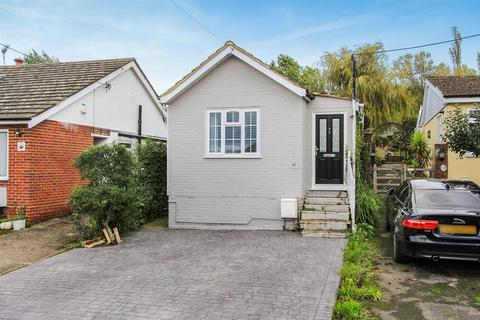 2 bedroom detached bungalow for sale - Dargate Road, Yorkletts, Whitstable