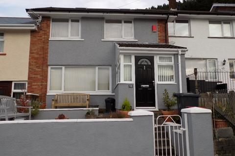 3 bedroom terraced house - Florence Close, Abertillery. NP13 1ES