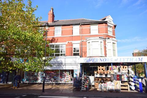 2 bedroom flat to rent - Clifton Street, Lytham , FY8