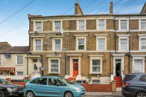 1 bedroom apartment to rent - Vicarage Road, Leyton