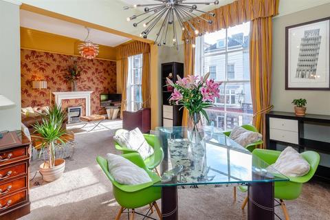 2 bedroom flat for sale - 14 Low Ousegate, York, YO1 9QU