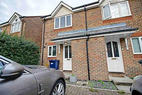 2 bedroom end of terrace house to rent - 3 Earl Close, Friern Barnet, N11 3py