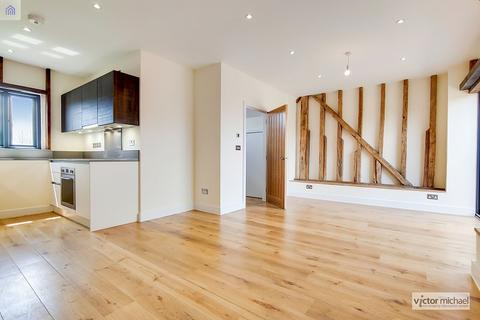 2 bedroom barn conversion for sale - Sewardstone Road, London, Greater London. E4