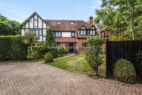 5 bedroom detached house for sale - Berryfield Close, Bromley