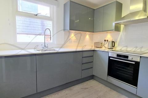 3 bedroom terraced house to rent - Cleveland Street, Fitzrovia, W1