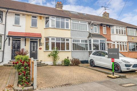 3 bedroom terraced house to rent - Highfield Road, Woodford Green, IG8