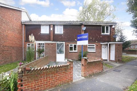 3 bedroom terraced house for sale - Bledlow Close, North Thamesmead, London, SE28 8HF