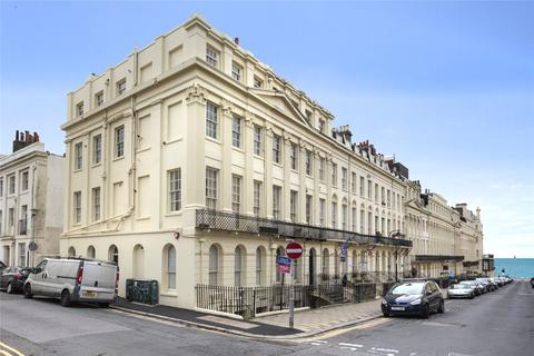 1 bedroom apartment to rent - Oriental Place, Brighton, East Sussex, BN1