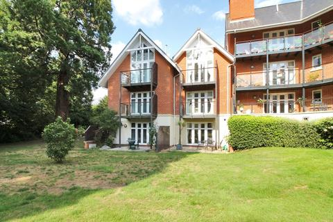 3 bedroom townhouse for sale - Warberry Park Gardens, TN4