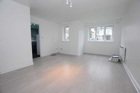 2 bedroom apartment to rent - Kingweston Close, Cricklewood