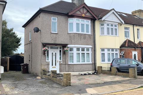 3 bedroom semi-detached house for sale - Surrey Road
