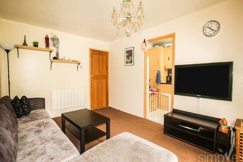 1 bedroom flat to rent - Burket Close, Southall, Middlesex