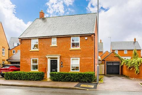 3 bedroom detached house for sale - Pillow Way, Buckingham