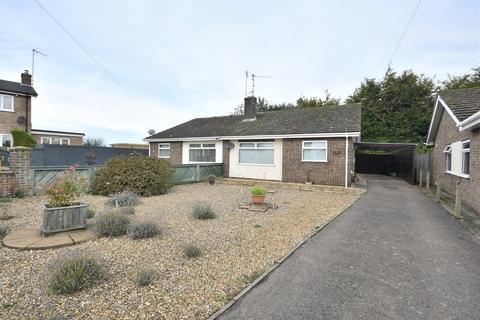 2 bedroom bungalow for sale - Bracken Road, South Wootton, King's Lynn, PE30