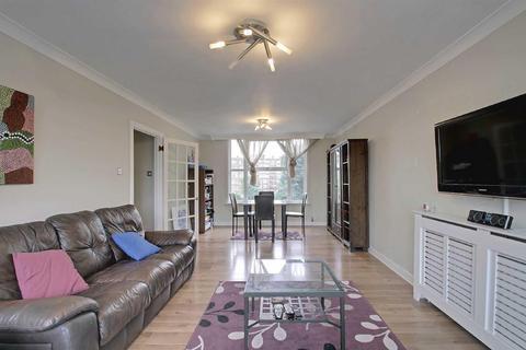 3 bedroom apartment - St Johns Wood Park, London