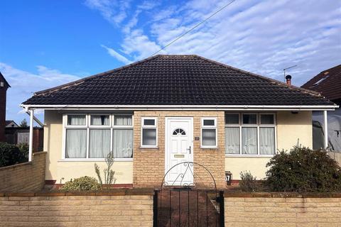 2 bedroom detached bungalow for sale - Jersey Avenue, Bristol
