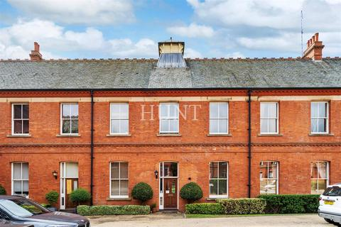 3 bedroom mews for sale - Repton Park, Woodford Green, Essex