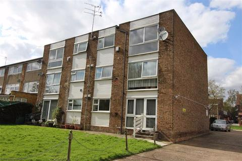 2 bedroom flat to rent - Ronver Lodge, Chingford, London