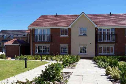 2 bedroom flat - Coleridge Way, Borehamwood, Herts
