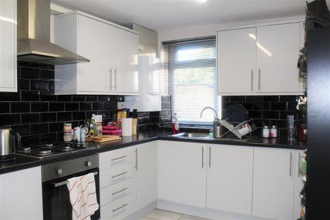 1 bedroom ground floor flat to rent - Charlton Church Lane, London