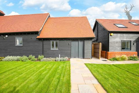 2 bedroom barn conversion for sale - Sewardstone Road, London