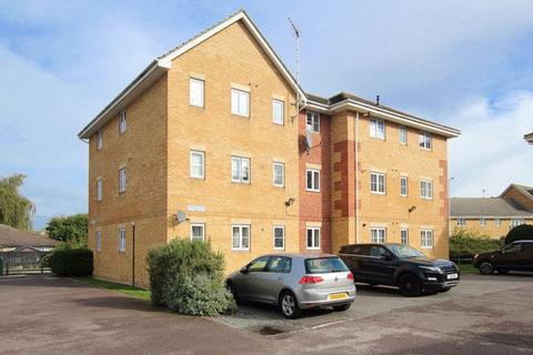 2 bedroom apartment for sale - Browning Drive, Wickford, SS12 0PS