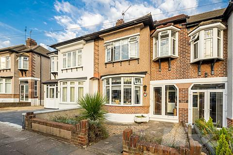 4 bedroom house for sale - Anne Way, Hainault, IG6