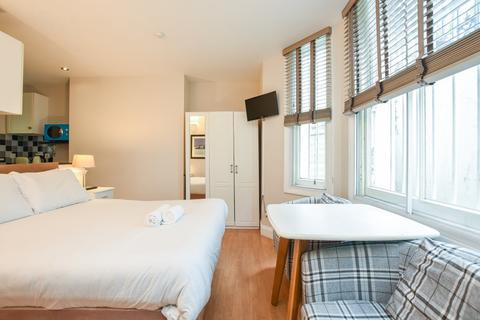 Studio to rent - Castletown Road, West Kensington