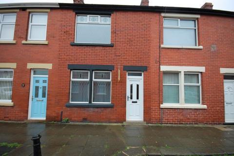2 bedroom terraced house to rent - Brook Street, Blackpool FY4