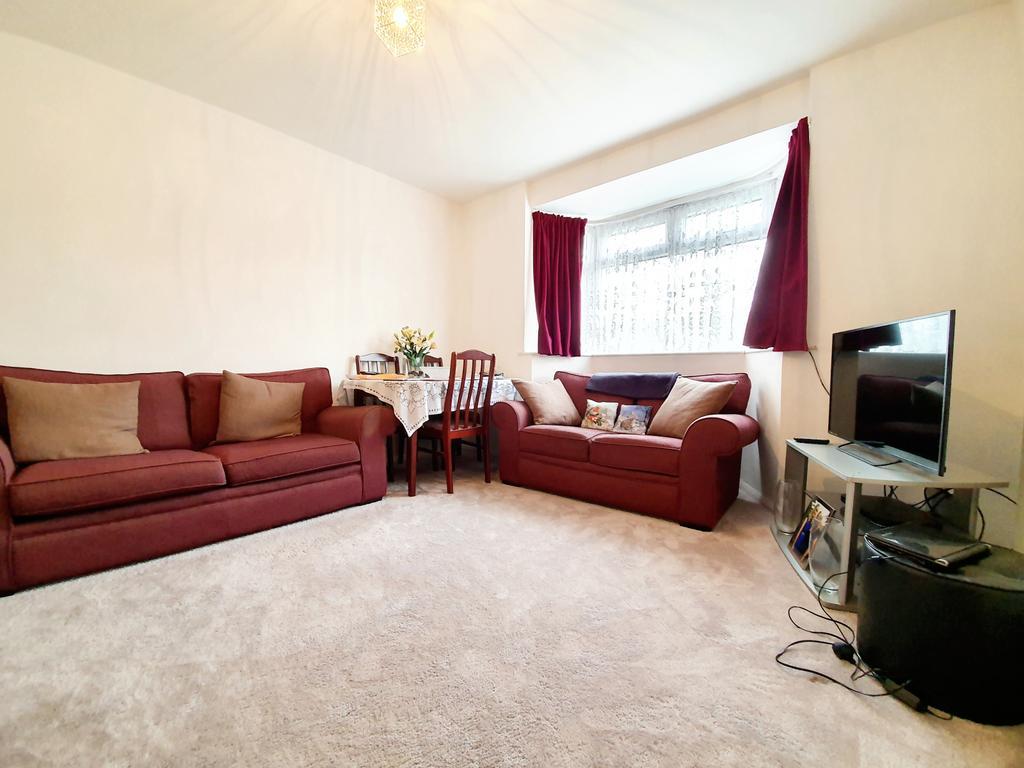 2  bedroom garden maisonette for sale