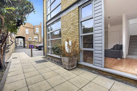 2 bedroom end of terrace house for sale - Stoneleigh Mews, Bow, London, E3