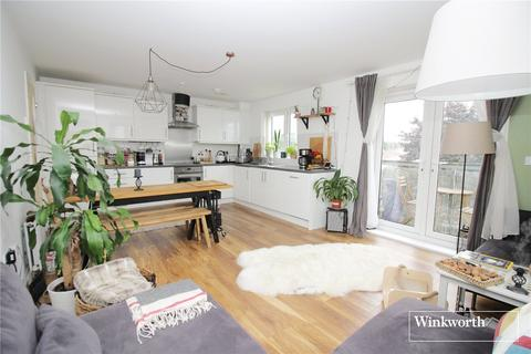 2 bedroom flat to rent - Mills Court, Todd Close, Borehamwood, Hertfordshire, WD6