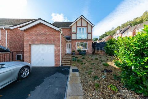 4 bedroom detached house for sale - Woodside Walk, Wattsville, Cross Keys, Newport. NP11