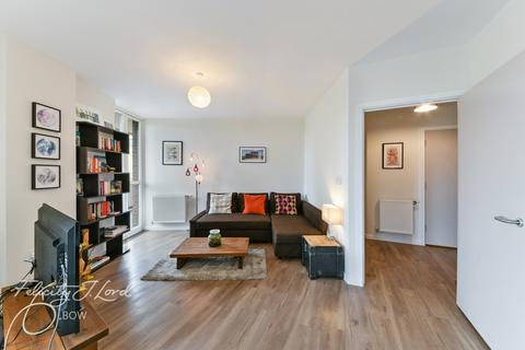 2 bedroom apartment for sale - Maypole Court, Geoff Cade Way, London E3