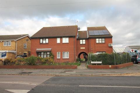 2 bedroom maisonette for sale - Lambert Court, Crow Lane, Romford