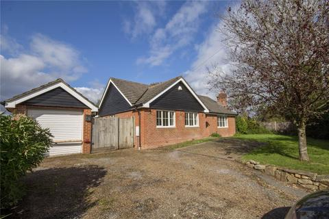 3 bedroom detached bungalow to rent - Lusted Hall Lane, Tatsfield