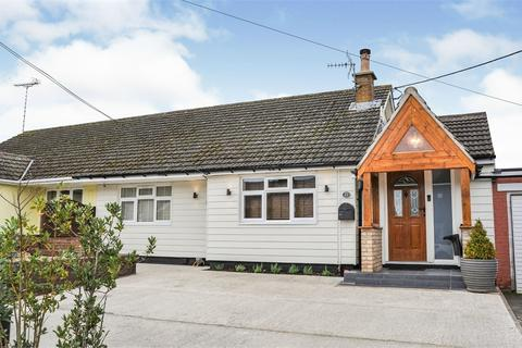 2 bedroom semi-detached bungalow for sale - Evelyn Road, Willows Green, Felsted, Nr Chelmsford, Essex