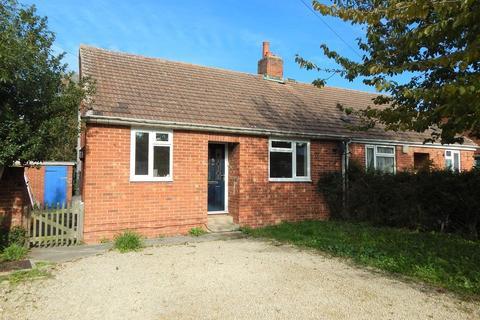 2 bedroom semi-detached bungalow to rent - Nobles Close, Botley