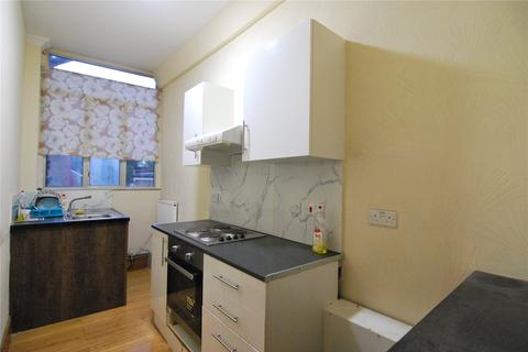 Studio to rent - Wightman Road, Harringay, London, N4